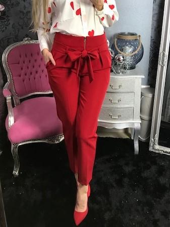 2cf2a459652f Dámske elegantné nohavice s ozdobným viazaním a zipsom- červené ...