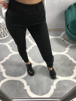 Skinny džínsy s gumou v páse / čierne