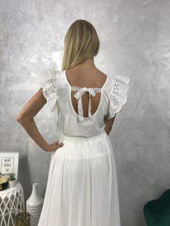 Krásne bavlnené tričko s čipkovanými volánikmi a viazaním na chrbte