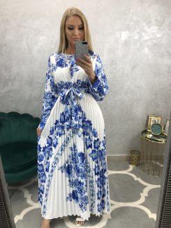 Dlhé biele šatky s modrými kvetmi a plisovanou sukňou