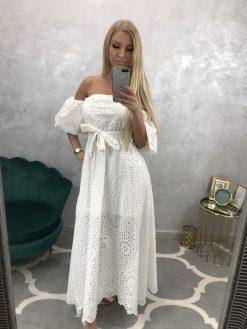 Biele dlhé madeirové šatky s odhalenými ramenami a pufkovanými rukávkami