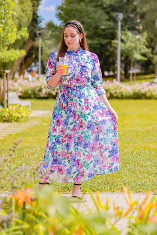 Midi košeľové vzorované šaty s opaskom a gombíkmi